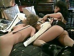 Exotic BDSM, Cunnilingus sex scene