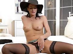 Glamorous chained sex vide lady Celine Noiret