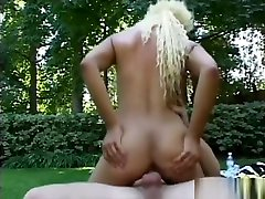 Ebony beauty Velvet Rose has a white guy pounding her snatch outside
