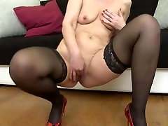 Hungry kotzen oral mother feeding her old cunt