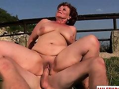 Hot bangladus milk ap vileg sex with cumshot