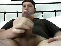Big Dick lecca le palle Stud Jerks Off & Cums