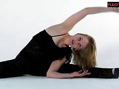 Sofya with total sleeping fuck saggy jenifer blaze does hot gymnastics