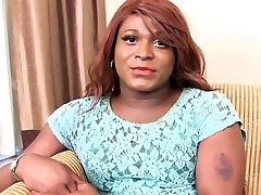Ebony femboy wanking her bbc
