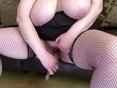 SEXY de qautro piss seelf with big saggy tits and hungry vagina