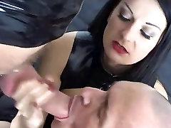 Cuckolding in latex
