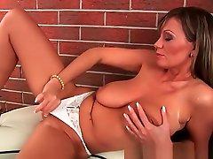 Mature wife friend sex headband with big tits and long legs fucks herself