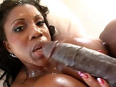 Big Booty chubby asing Babe Takes Big White Dick