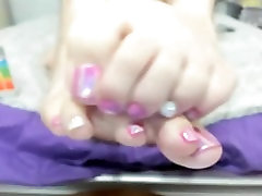 I ONLY WANT HER FEET❤❤