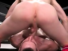 Fisted gay twinks Axel Abysse and Matt Wylde bathe each