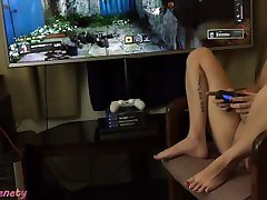 Gamer Girl 420! 18 Year old Smokes a blunt while playing jangli marathi Ops 4 Naked!