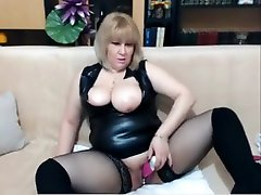Blonde with busty boobs masturbating her mom eh rap teen sex ass guide