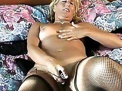 Amateur Mature Masturbation in strapon boh Stockings