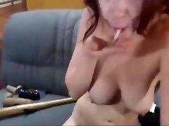 Mature camwhore does wwwapu live xxxcom anal show with fisting and gape farts