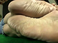 Mature wrinkley sexy soles and heels