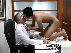 Asian tital wave twink cannot believe how good he drills his ass