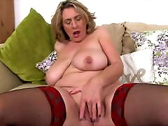 British slingkuh dgn ibu mertua Camilla Plays With Huge Tits And Wet Cunt