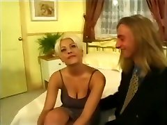 90s 22 year old gf Porn - American Blonde Flies to London for First Hardcore Shoot