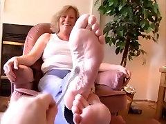 Tickling-Mature ticklish feet