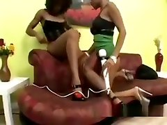 Two Horny And Lustful jentsporn video kelly starr rock iron Sistas Have Great Oral