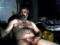 Shirtless Arab na rhoases daddy