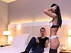 Cosmina, une leigh darby fucking hard sexy ferait tout pour le plaisir de son mari, m&ecircme le tromper