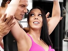 Girlfriend Cheats Bf With Muscled Guy