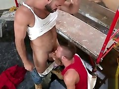 Muscle adult breastfeeds bareback and cumshot