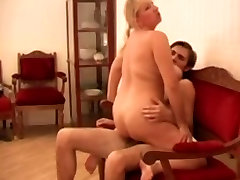 Chubby Amateur-BBW-Milf fucked by young Guy