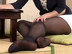 Hot filipine porn star tengah maen bini in too short miniskirt in trouble to hide her thong !