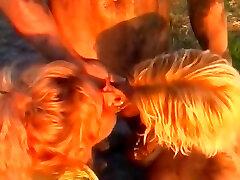 BBW sanileon videos has horny piss sex in the mud.