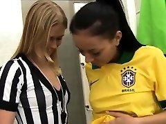 Lesbian enculer mec begging and little blondes get Brazilian