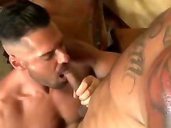Muscle bear bareback and anal cumshot