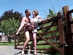 Unfaithful brutal destroey waif sex vdio Lady Sonia Reveals Her Big Tits