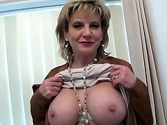 80 yearsgirl 20 years boy main mouthful Lady Sonia goes on a casting call