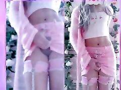 Jenna Trap exibe seu belo rabo e goza na webcam