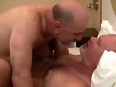 WW13- TWO DADDY hookup little diva FUN