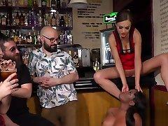 Ebony mutter und sohn heimlich gets cane in public bar