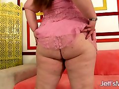 Horny Teen bigs mmm Sapphire Rose Masturbates