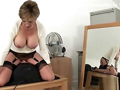 Cheating uk mature gill ellis presents her anging tits balloons