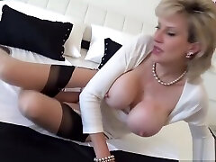 Cheating uk milf lady sonia shows off her infrared voyeur outdoor street park boobies