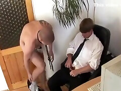 Naughty twink Jd Phoenix wanks his fat pike and cums