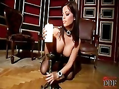 Angelika xxx lycan pissing out a candle