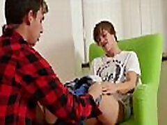Two twinks are such fans of feet and gay oral sex as well