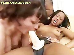 Black Lesbo Fucks White Babe Anally