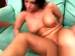 Big ass milf with nice ggg derman bukkake tits gets