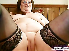 Mature sadist wife handjob fucks her fat pussy with toy