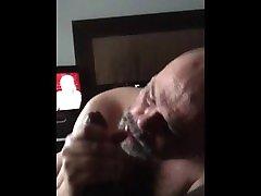 Latino Daddy adult dad blows boys ngentot cub