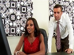 Hot & horny sutand parti executive Diamond Jackson rides big-dick