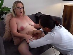Chubby pregnant hard boob sexy muscle goddess Tit Blonde Milf has a Interracial Fuck with a Young Dick